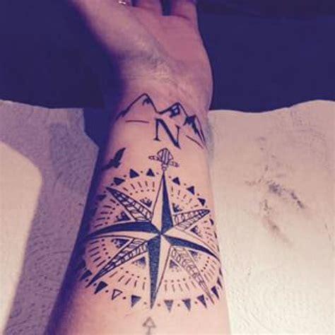 Tatouage Boussole Avant Bras Tatouage Boussole Des Vents Avant Bras Tatoo Tatouage Tatouage Homme Et Tatouage