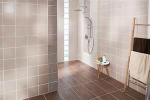 Percer Dans Du Carrelage : comment poser un carrelage mural dans une salle de bains ~ Dailycaller-alerts.com Idées de Décoration