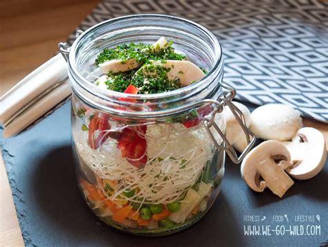 lunch suppen lunch im glas 3 schnelle und leckere suppen to go