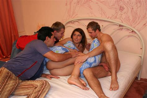 Horny Students Get Drunk And Hot Orgy Pichunter