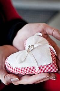 Ringkissen Selber Nähen : ringkissen idee und ringkissen selber machen brautkleidershow g nstige brautkleider ~ Frokenaadalensverden.com Haus und Dekorationen