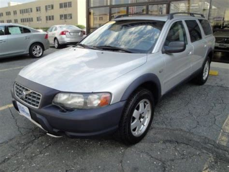purchase   volvo xc  turbo  wheel drive