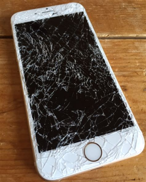 iphone 6 cracked screen iphone 6 6 plus 6s screen repair bristol Iphon