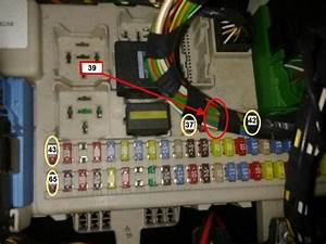 Unusual Fuse Board On 2006 Focus Ghia