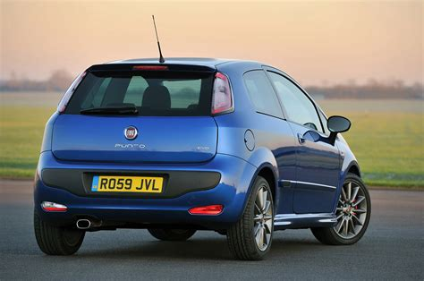 Punto Fiat by Fiat Punto Evo Hatchback Review 2010 2012 Parkers