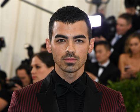 Joe Jonas Trolled After Taylor Swift Releases 'Mr ...
