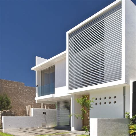 Contemporary Architectural Design At Seth Navarrette House