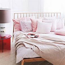 Choose Pale Pink Shades  Cosy Bedroom Decorating Ideas