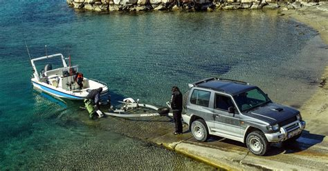 Boat Trailer Maintenance by Boat Trailer Maintenance And Towing Safety Tips Yacht