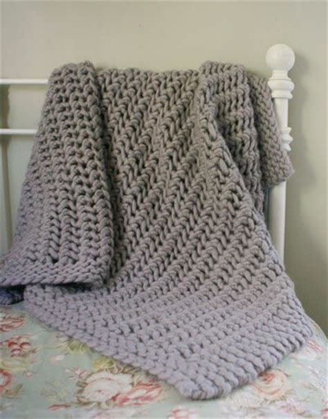 knitted throws to make this should make up quickly it s made with chunky yarn and works up at 1 1 2 to 2 stitches per