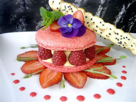 dessert avec des macarons la cuisine de damien 187 macaron aux fruits rouges et cr 232 me 224 la