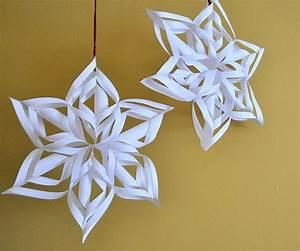 Weihnachtsdeko Basteln Papier : weihnachtsdeko selber basteln aus papier mit anleitung ~ Lizthompson.info Haus und Dekorationen