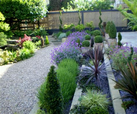 Modern Beautiful Home Gardens Designs Ideas New Creative