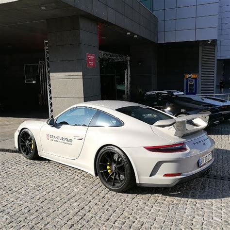 porsche chalk chalk 2018 porsche 911 gt3 with ceramic brakes is