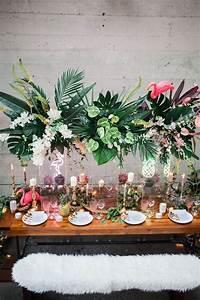 Deco Table Tropical : best 25 tropical wedding centerpieces ideas on pinterest tropical wedding reception hawaiian ~ Teatrodelosmanantiales.com Idées de Décoration