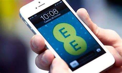 La operadora de telefonía móvil británica EE, propone ...