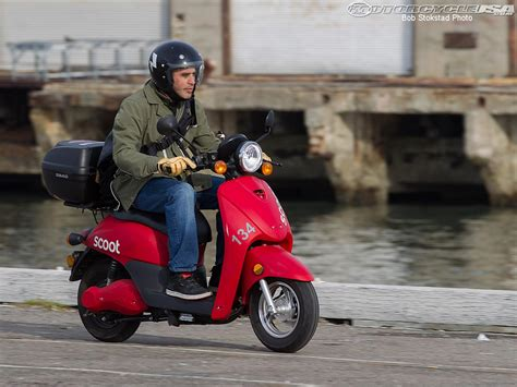 Vespa Gts 4k Wallpapers by Scooter Wallpapers Vehicles Hq Scooter Pictures 4k