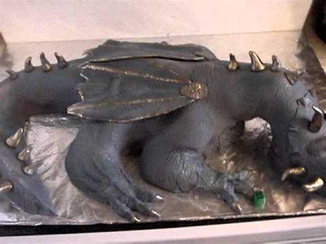 dinosaur cake triceratops  standing sculptured cak