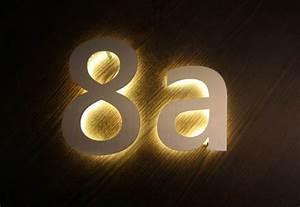 Hausnummer Beleuchtet Led : mit led hinterleuchtete hausnummer aus edelstahl ~ Frokenaadalensverden.com Haus und Dekorationen