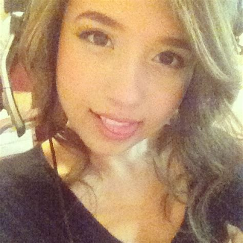 Pokimane Cute Pictures 106 Pics Sexy Youtubers