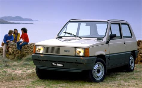 italy   fiat panda hits highest share   years