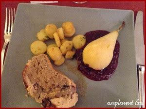 cuisiner les airelles poire pochée au vin blanc sur lit d 39 airelles recette