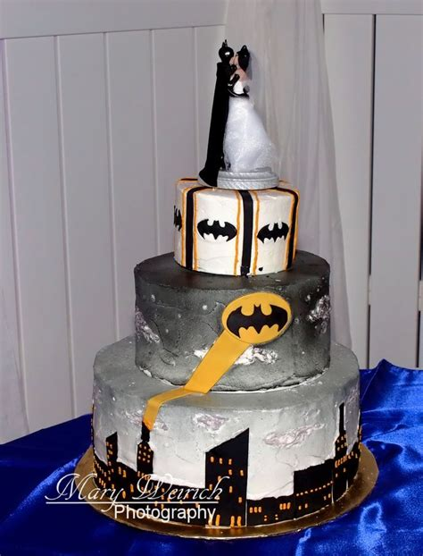 best 25 batman cakes ideas on best 25 wedding cake half batman ideas on batman 20128