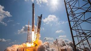 Watch SpaceX's Falcon 9 Rocket Launch a Massive Satellite ...