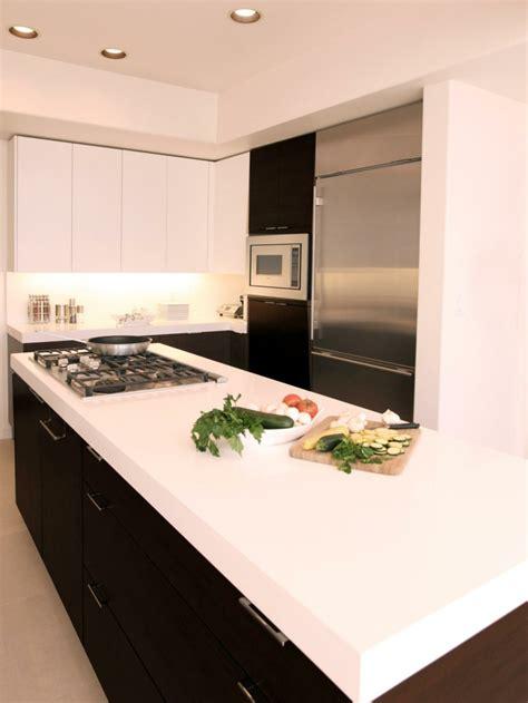 cuisine design surface comptoir de cuisine blanc 52 idées élégantes avec du