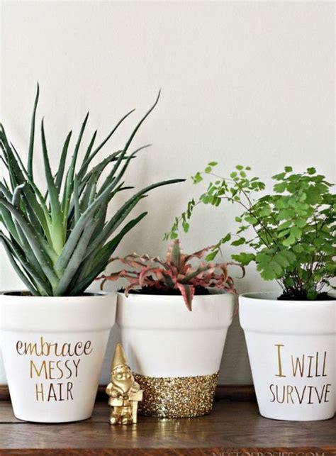 des id 233 es pour personnaliser ses pots de fleurs cocon de d 233 coration le