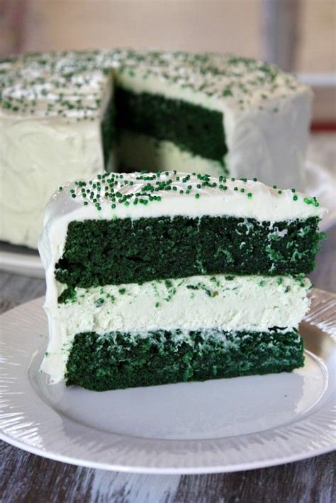 Green Velvet Cheesecake Cake  Would Try With Devil's Food
