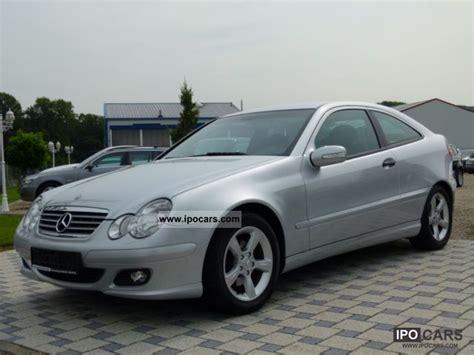 Avec le 220 cdi, la classe c devient une familiale avertie. 2004 Mercedes-Benz C 220 CDI Sports Coupe Org 65,000 km / Air - Car Photo and Specs