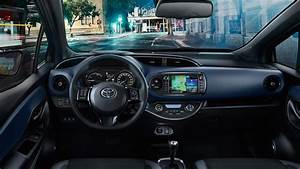 Toyota Yaris Dynamic Business : nuova yaris hybrid da da spazio a torino ~ Medecine-chirurgie-esthetiques.com Avis de Voitures