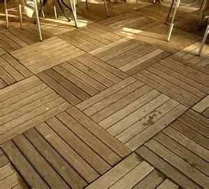 Casa moderna roma italy pavimento da esterno in legno