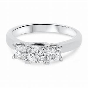 Platinum three stone princess cut diamond vintage for Platinum princess cut wedding rings