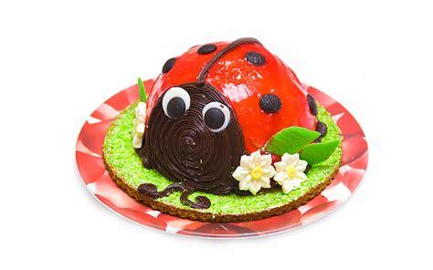 Erdbeeren Fruchtiges Deko Motiv by Einen Marienk 228 Fer Als Geburtstagstorte F 252 R Die Ganz Kleinen
