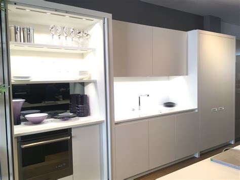 Pocket Door Kitchen Cabinets by Ex Display Leicht Pocket Doors The Used Kitchen Company