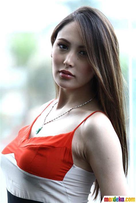 Majalah Wanita Dewasa Indonesia Foto 3 Gadis Cantik Asia Next Top Model Datang Ke