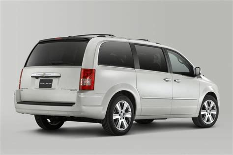 2010 Chrysler Town And Country Specs by 2010 Chrysler Town Country News And Information