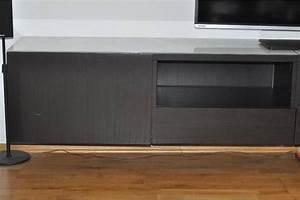 Ikea Tv Möbel : besta ikea tv bank in schwarzbraun mit weisser glasauflage ~ Lizthompson.info Haus und Dekorationen