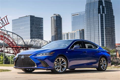 lexus es  review gear patrol