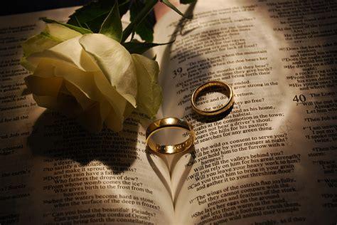 nieceys blog  wedding rings  roses   bible