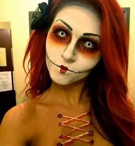 Soap Dispenser: Creepy Doll Halloween Make-up