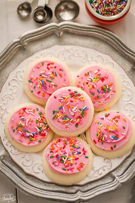 We've got a theme going on this week… called the best. Soft Lofthouse Style Frosted Sugar Cookies with Sour Cream ...