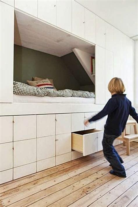 rangement mural chambre rangement dans chambre maison design bahbe com