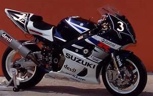 Photos  33 Years Of Suzuki Endurance Road Racing