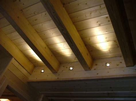 spot plafond chambre eclairage plafond avec poutres photos de conception de