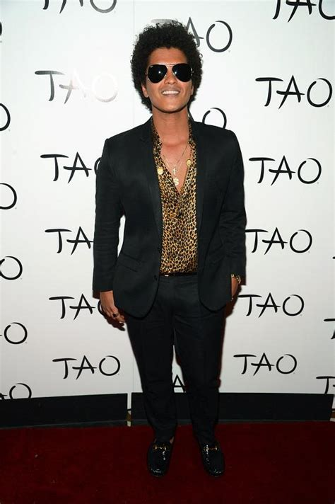bruno mars performs  tao nightclub  las vegas