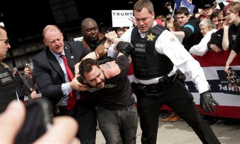 presidenziali usa proteste  violenze sospeso il comizio