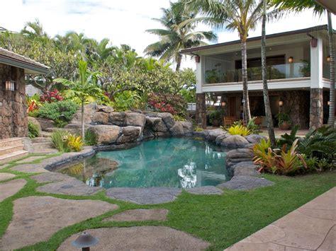 tropical backyards diy tropical garden ideas photograph preview